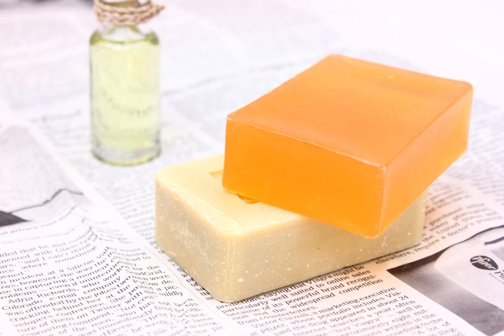 石鹸とアロマオイル